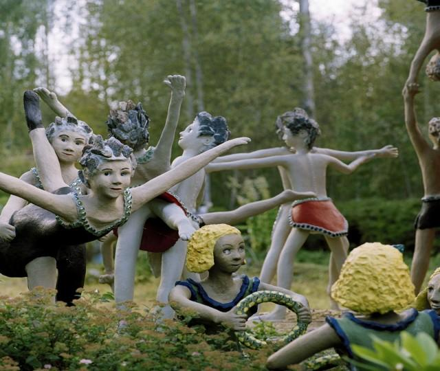 """Kuvitusta kirjaan """"Veijo Rönkkösen todellinen elämä"""", Maahenki kustannus, 2007."""