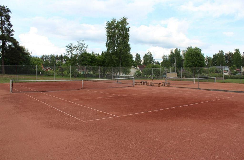 Parikkalan tenniskenttä